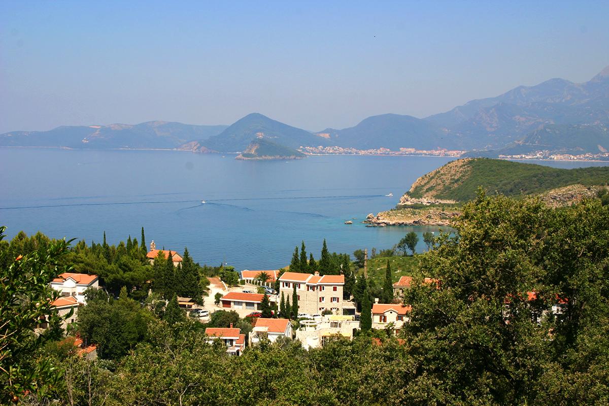 Недвижимость в черногории у моря comfort inn hotel deira 3 дубай