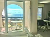 Трёхкомнатный пентхаус гаражом и видом на море в Босолей