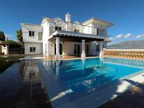 Дом с красивым морским видом в окрестностях Михас