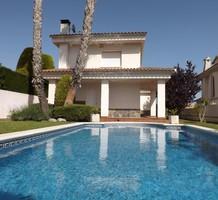 Красивая вилла с бассейном в урбанизации El Mas Mel, продажа. №37778. ЭстейтСервис.