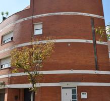 Дом в Барселоне с террасой и 3 спальнями, продажа. №16686. ЭстейтСервис.