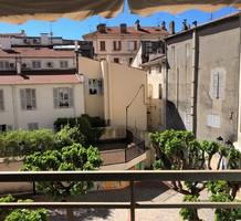 Тихая квартира с двумя спальнями рядом с морем, продажа. №36495. ЭстейтСервис.