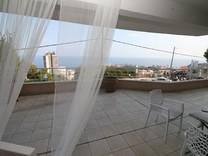 Квартира с видом и огромной террасой в Босолей
