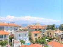 Двухкомнатная квартира с видом на море в Ницце