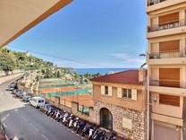 Квартира с видом поблизости от Монако