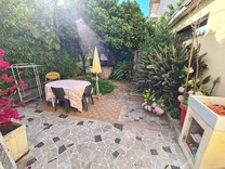 Апартаменты с частным садом в районе Centenaire