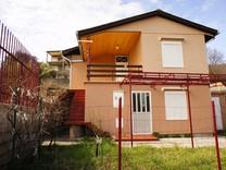 Дом с панорамным видом в Шушани