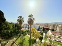Трехкомнатные апартаменты с видом на море в Ментоне