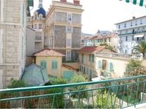 Трёхкомнатная квартира по Rue François Aune