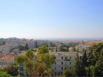 Апартаменты с огромной террасой в центре Ниццы