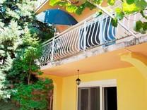 Дом с садом в Утехе