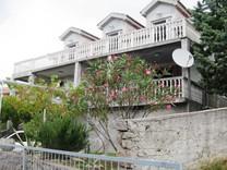 Просторный дом в поселке Кримовица