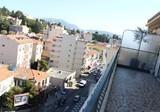 Однокомнатный пентхаус с большой террасой в Ницце