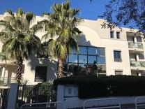 Стильная четырёхкомнатная квартира на Bas Cimiez