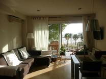 Трехспальная квартира с видом на море в Камбрильсе