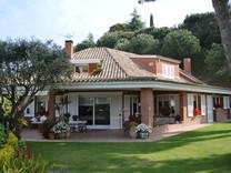 Дом в престижной урбанизации Sant Vicent de Montalt