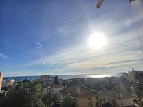 Однокомнатная квартира с прямым видом на море