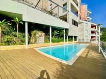 Квартира с большой террасой, видом на море и паркингом