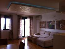 Просторная квартира с видом на море в Бечичи
