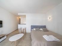 Квартира с ремонтом на знаменитой rue d'Antibes в Каннах
