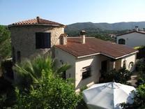 Сельский дом с башней и пятью спальнями в Calonge