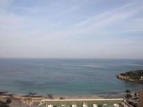 Большая квартира с прямым видом на море в Кальпе