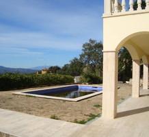 Элегантная вилла с красивой панорамой в Кастель-Пладжа-де-Аро, продажа. №38262. ЭстейтСервис.