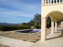 Элегантная вилла с красивой панорамой в Кастель-Пладжа-де-Аро