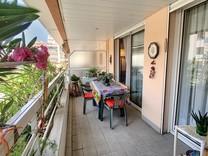 Квартира с удобной планировкой в Жуан-Ле-Пен