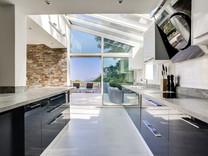Дизайнерский дом с видом на море в Vallauris