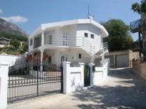 Дом с 2 спальнями и мебелью в Шушани
