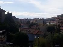 Четырехкомнатная квартира с видом на море в Ментоне