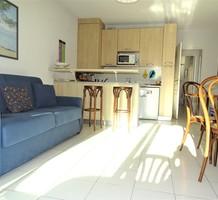Солнечная квартира между площадью Де Голля и морем, продажа. №38099. ЭстейтСервис.