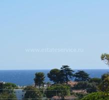Семейная вилла в 1,5 км от моря в Antibes, продажа. №36077. ЭстейтСервис.