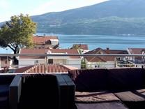 Большой пентхаус напротив моря в Herceg-Novi