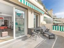 Квартира с ремонтом в районе rue Amiral de Grasse