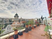 Большая квартира с видом на море и Русскую церковь
