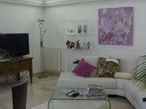 Просторные апартаменты с 2 спальнями в Juan-les-Pins