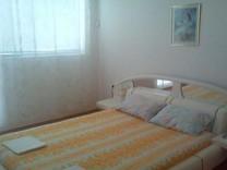 Двухкомнатная квартира с отдельной кухней в центре Созополя