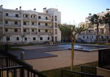 Апартаменты с тремя спальнями в ста метрах от пляжа в резиденции с бассейном