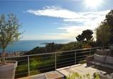 Стильная вилла с панорамным видом на Cap-Ferrat