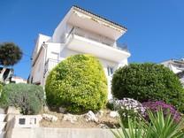 Дом с отдельным апартаментом в Мас Ромео