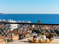 Квартира с шикарным видом на море в Ницце