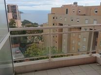 Квартира с двумя террасами и видом на море в Босолей