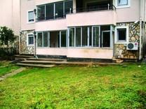 Большая квартира с тремя спальнями в Которе