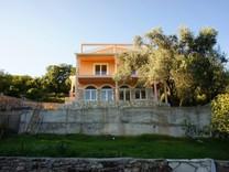 Новый дом без отделки в Шушани