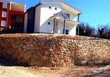 Новый дом с хорошим потенциалом в Сутоморе