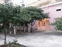 Двухкомнатные апартаменты недалеко от пляжа в Будве