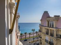 Пентхаус с двумя балконами и видом на море в Negresco