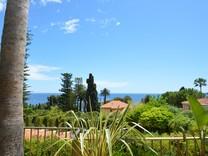 Дом с видом в двухстах метрах от моря в Eze
